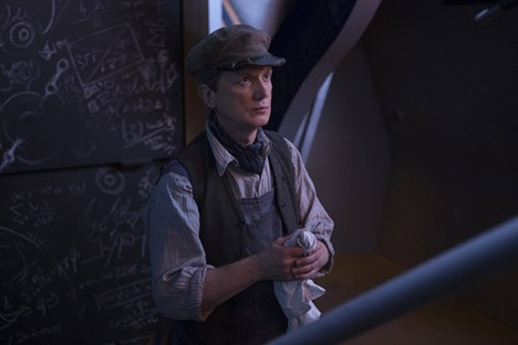 Mummy on the orient express frank skinner in the tardis