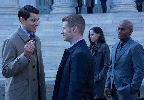 Gotham 1x9 Harvey Dent