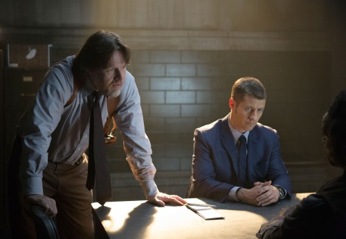 Gotham 1x9 interrogation room