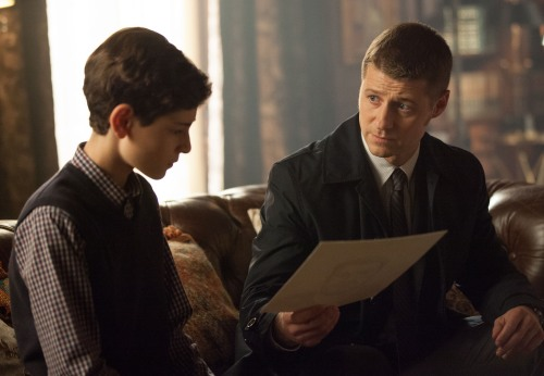 Gotham 1x9 James and Bruce