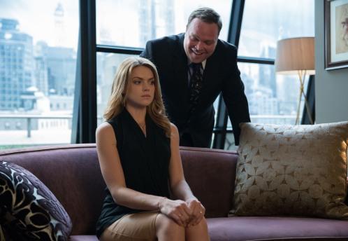 Gotham season 1 episode 7 Gordon's apartment