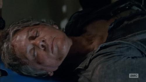 The Walking Dead 5x6 Carol at the hospital