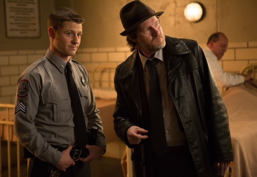 Gotham mid season premiere- Harvey and James