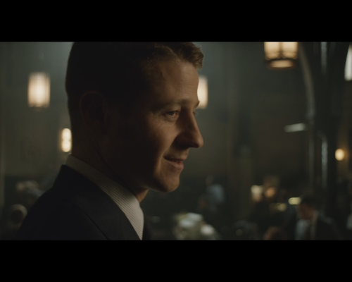 Gotham season 1 episode 12 Gordon back at the station