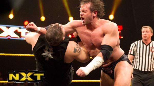 Alex Riley vs Kevin Owens