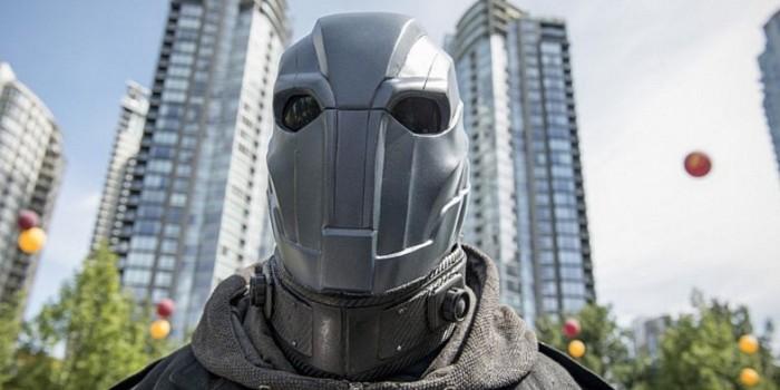 The Flash season 2 episode 1 Atom Smasher