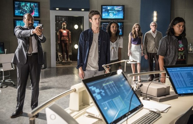The Flash season 2 episode 1 Jay Garrick arrives