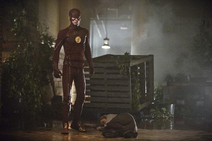 The Flash season 2 episode 2 Barry Allen