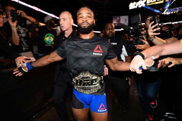 Woodley wins gold