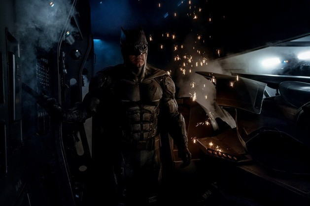 justice-league-tactical-batsuit